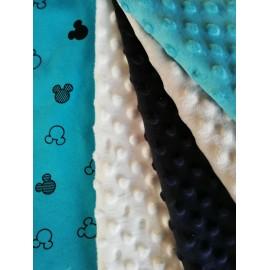 Couverture doublée avec prénom et motif (doublure turquoise Mickey noir)