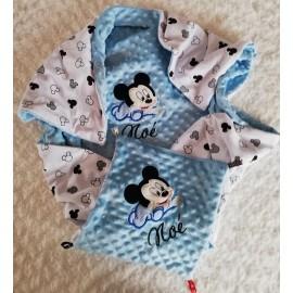 Couverture doublée avec prénom et motif (doublure blanc Mickey noir)